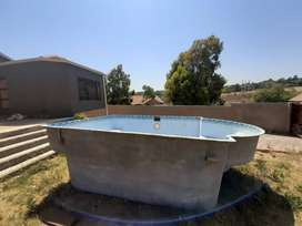 6x4 Fibreglass build in swimming pool for sale.