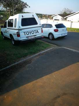 I'm selling my Toyota hilux bukkie 2002 model
