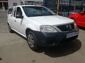 2012 Nissan NP200 with a canopy