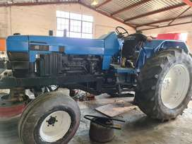 Ford 7840 tractor 4x2