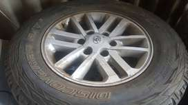 Toyota rims with tyres