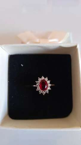 Princess Kate red sapphire 18ct white gold ring for sale