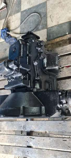 Ford cargo gearbox to fit ade 236