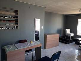 Nail bar available to rent