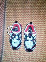 Кросовки розмір 25
