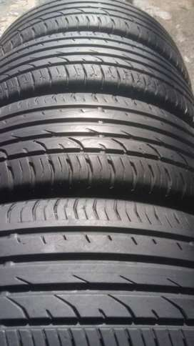 215/55/18 Tyres for Dodge still in good conditions