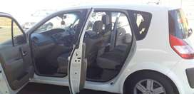 Renault scenic 2 expression, model 2005, its a family car
