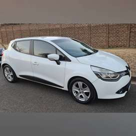 Renault Clio IV 900T Expression (66kw)