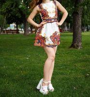 Платье женское. Размер с. Состояние НОВОГО