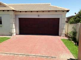 MODERN 3 BEDROOM TOWNHOUSE IN BLANCHVILLE! R 10 400 PM