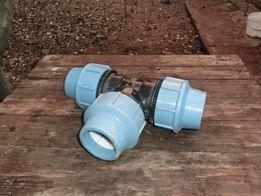 Тройник пластиковый для водопровода