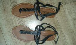 Sprzedam sandały nowe 38