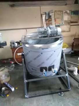 Oil jacketed pots and mixing tanks