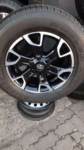 18inch Genuine Toyota Hilux Mag Rims Without Tyres×4