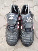 фирменные кожаные футбольные бутсы Adidas р.37 (24 см)
