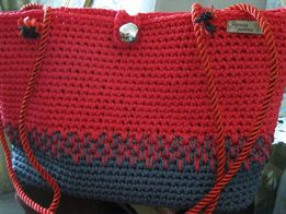 Стильная вязаная сумка