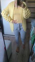 Szaro żółty kombinezon