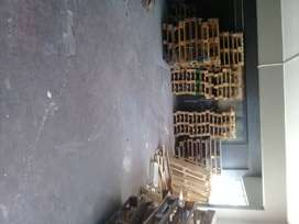 We buy used second pallets and sell