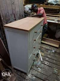 White Chest of Drawers 0