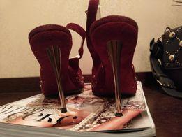 Туфли,натур замш,метал.шпилька 10см,цветы,камни Swarovski,