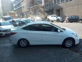 Hyundai Accent 1.6 model 2017 for SALE