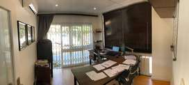Office for rent La Lucia, walk to mall