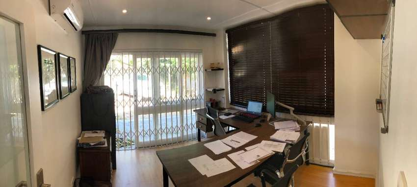 Office for rent La Lucia, walk to mall 0