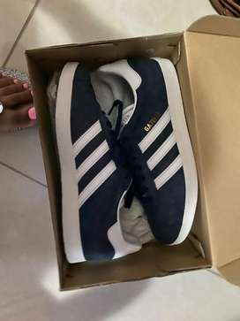 Blue adidas gazelle. New