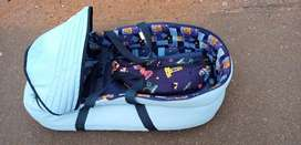 Baby bus carry cot blue