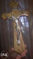 Продаю крест настенный деревянный Иисус серебро 999 пробы из Ватикана
