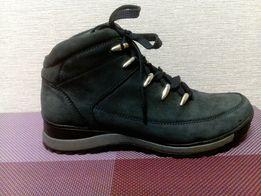 Кроссовки ботинки кожанные 39 размер