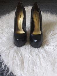 Туфли . 35 р. 22.5 см.Bebe