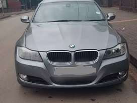 BMW E90 320i for sell still in good condition everything automatic