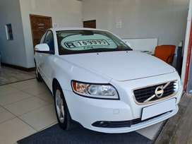 2011 VOLVO S40 2.0 MANUAL WITH ONLY 167000KMS  SERVICE HISTORY AIRCON