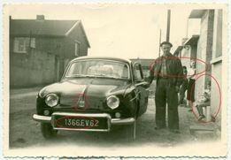 Stare zdjęcie fotografia Renault Dauphine 1961 rok opis