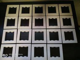 Накладка для выключателя или розетки белая
