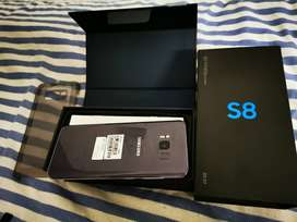 Samsung Galaxy S8 great condition with box