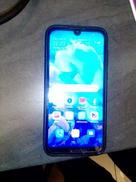 Hi am selling my Huawei y5 2019 in good condition