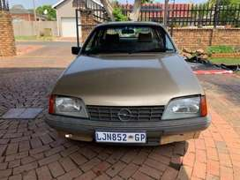 1982 Opel Record 2.L Automatic