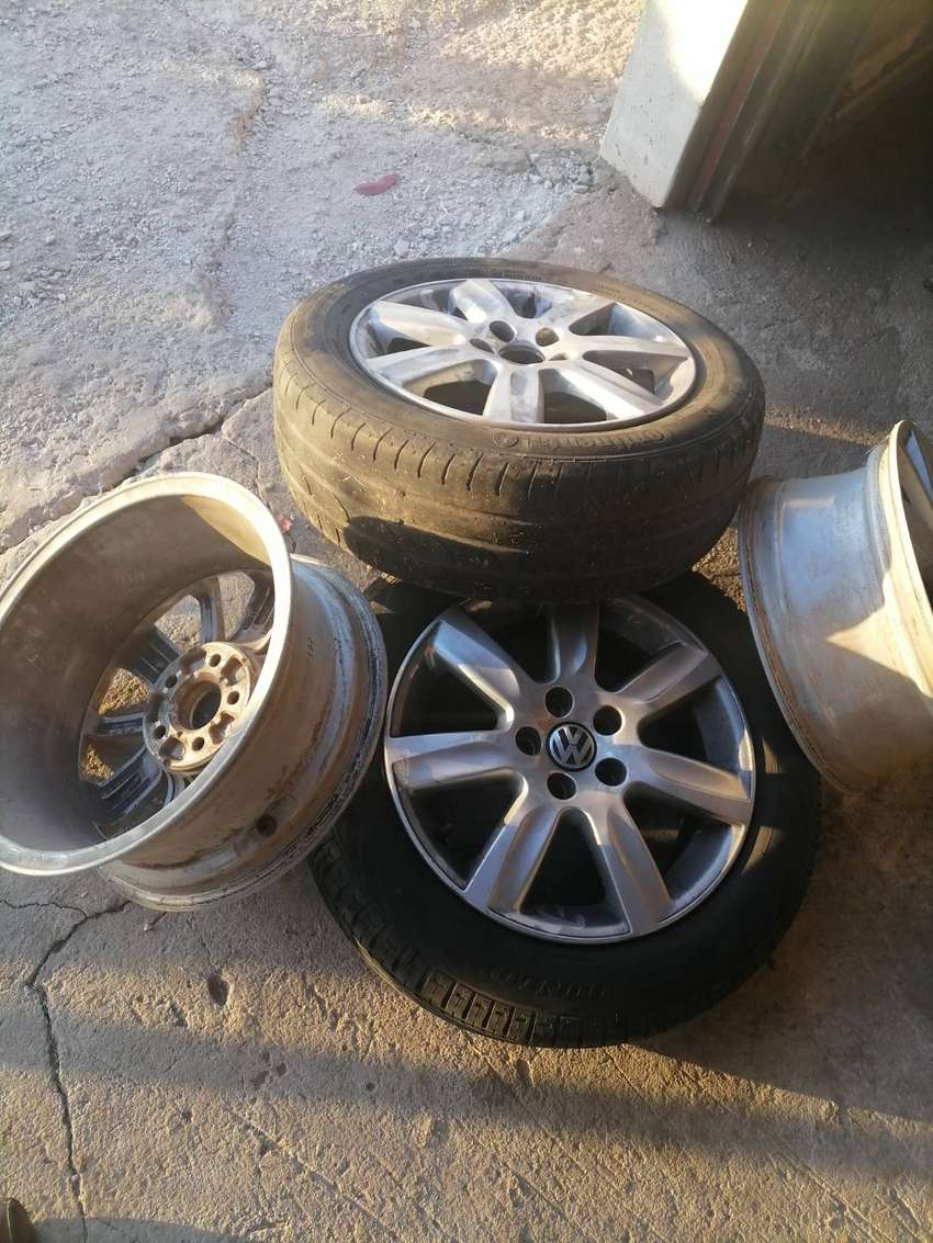 VW POLO Orinal mags price is negotiable