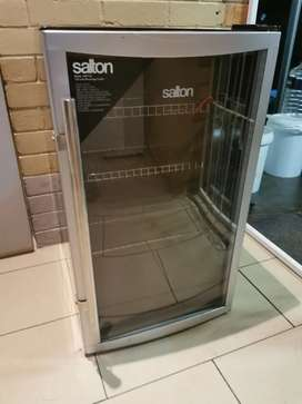 Salton Glass Door Bar Fridge /Beverage Cooler