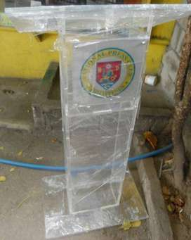 Industrial Thick Perspex Transparent Church Stand/Pulpit
