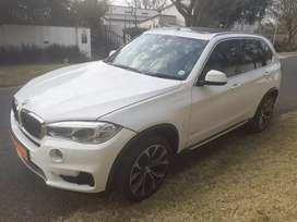 2015 BMW X5 3.0D, sunroof, excellent condition, full service, R265000