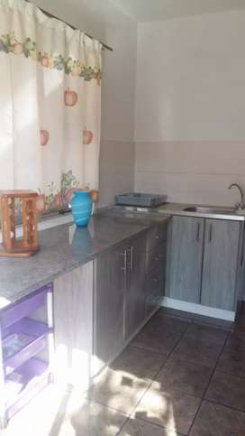 Furnished room and kitchen to rent