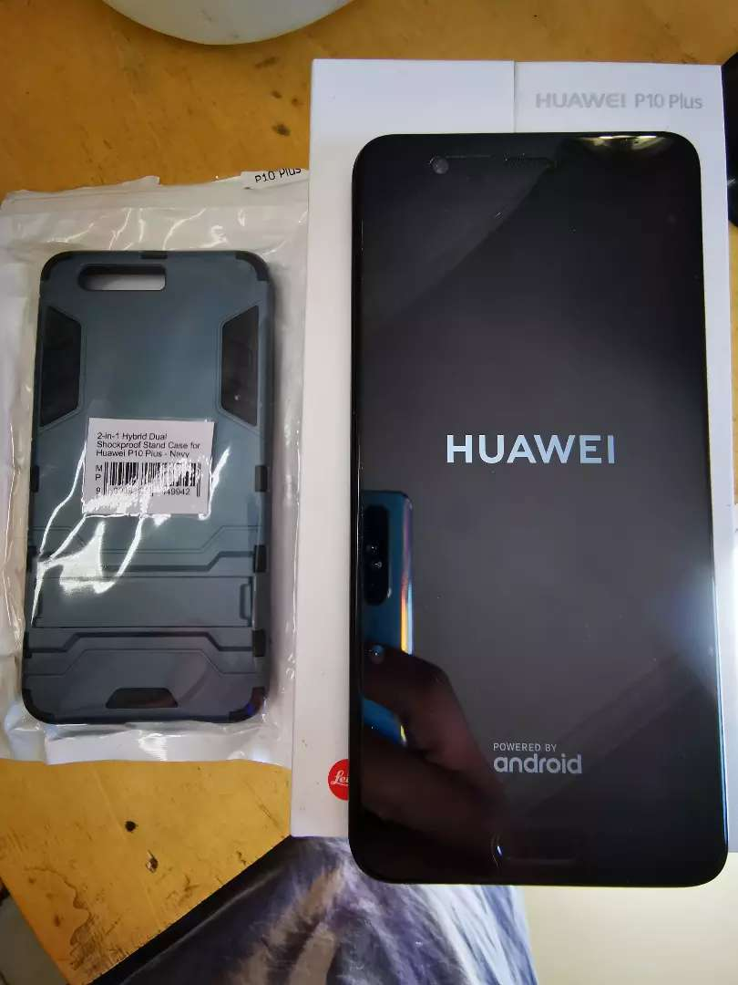 Good as New Huawei P10 Plus 128GB + Shockproof Case 0