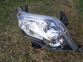 2015 TOYOTA FORTUNER XENON HEAD LIGHT FOR SALE