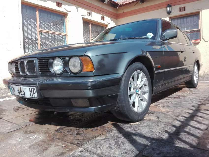 Clean Bmw 525 series old model. negotiable 0