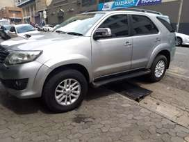 Toyota Fortuner 3.0 R 242 000
