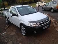 Image of Chevrolet cosa bakkie 1.8 white in color 81000km R98000