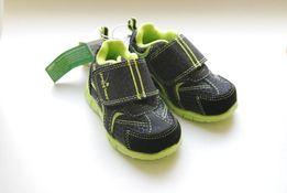 Продам НОВЫЕ детские кроссовки размер 19 Jumping beans (США) на малыша